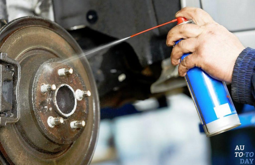 Как заменить тормозные колодки и устранить скрип тормозов