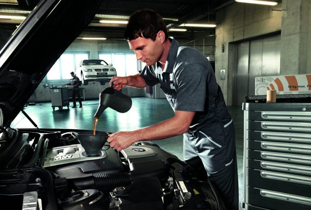Ремонт и обслуживание автомобилей в автосервисе