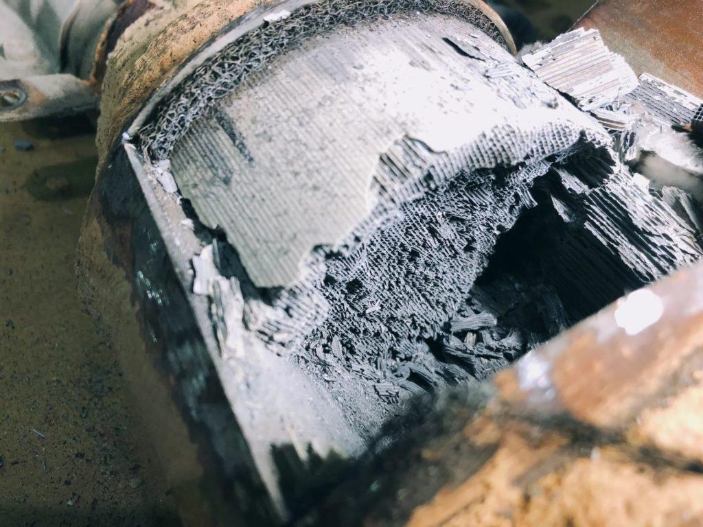 Замена катализатора на пламегаситель. Ремонт выхлопных систем автомобиля